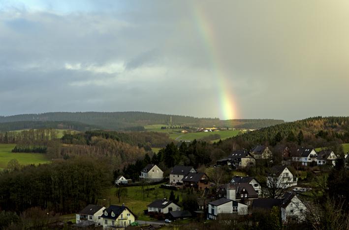 Rainbow_School_red