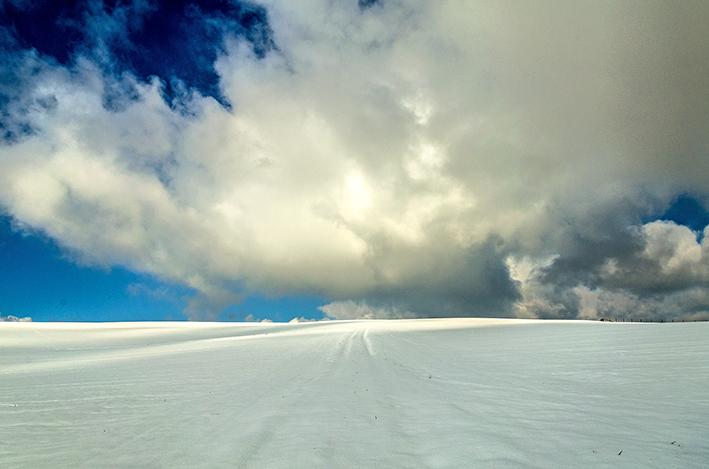 Schnee_Wolken_red