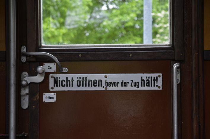 Zugtür_red