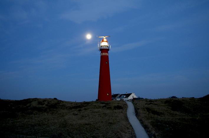 schier_leuchtturm4_red