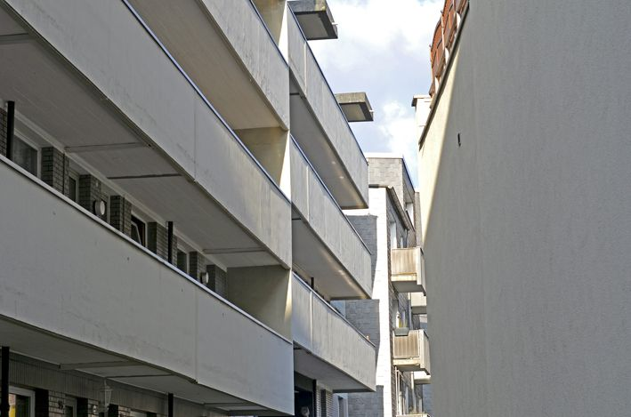 red_Haus_Balkone_Norden