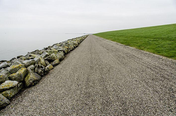 Oktober 2015 - Schiermonnikoog, wieder und wieder - mit Herrn Cooper und dem Rad am Deich entlang