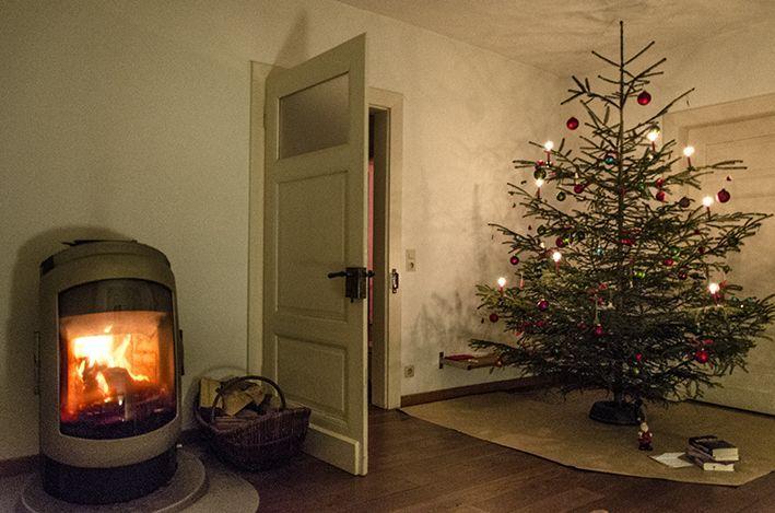 Dezember 2015 - im Ofenzimmer. Weihnachten mit Jim. Abend mit Viveka bei Ofenfeuer und Kerzenschein - Fotoauswahl für den Blog