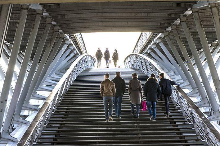 Seine-Brücke_Menschen